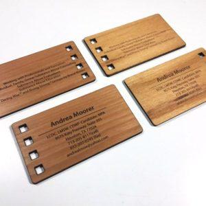 carti de vizita din lemn