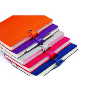 Agenda Corsica nedatata, inchidere cu capsa si suport instrument de scris