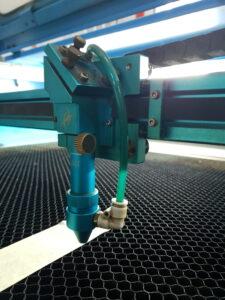 Debitare laser: carti de vizita personalizate